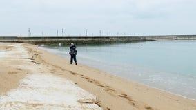 Praia e menina do inverno filme