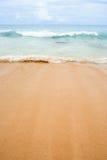 Praia e o mar Imagens de Stock