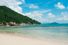 Praia e oceano da ilha de Koh Samui Fotografia de Stock Royalty Free