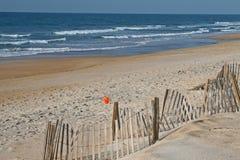 Praia e oceano de Sandy Imagem de Stock Royalty Free