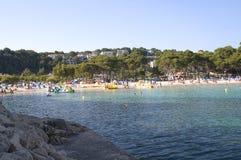 Praia e oceano do galdana de Cala Fotos de Stock