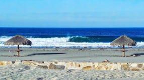 Praia e ondas azuis Imagem de Stock Royalty Free