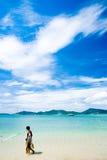 Praia e pescador foto de stock