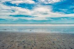 Praia e rochas fotos de stock royalty free