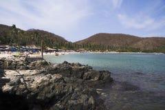 Praia e rochas do Los Gatos Imagens de Stock