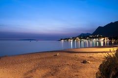Praia em Croatia na noite. Fotos de Stock Royalty Free