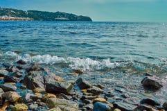Praia em ferradura com cores bonitas foto de stock royalty free