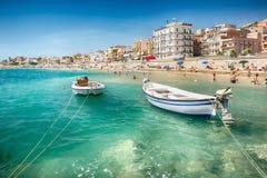 Praia em Giardini Naxos, Sicília imagens de stock