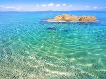 Praia em Halkidiki, Sithonia, Grécia imagem de stock