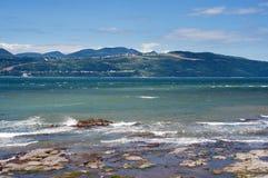 Praia em Ile-auxiliar-Coudres Fotos de Stock
