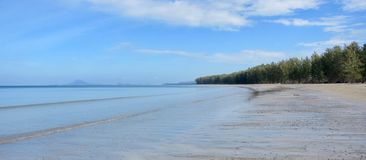 Praia em Ko Lanta, Tailândia foto de stock royalty free