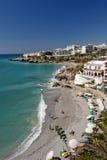 Praia em Nerja Spain do sul foto de stock