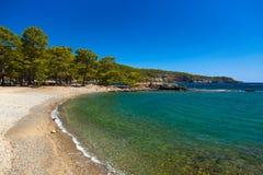 Praia em Phaselis em Antalya, Turquia Fotos de Stock Royalty Free