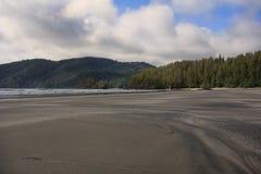 Praia em San Josef Bay, BC Foto de Stock