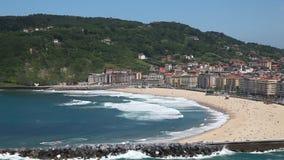 Praia em San Sebastian, Espanha vídeos de arquivo