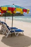 Praia em um dia ensolarado Fotos de Stock Royalty Free