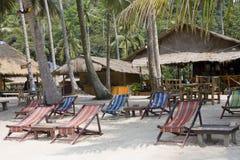 Praia em um dia ensolarado. Fotos de Stock Royalty Free