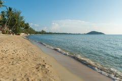 Praia ensolarada Foto de Stock Royalty Free