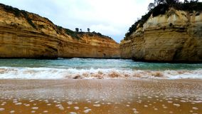 Praia escondida da areia imagem de stock royalty free