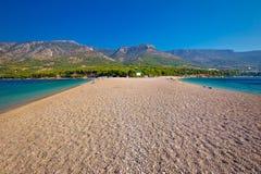 Praia famosa do rato de Zlatni na ilha de Brac imagem de stock