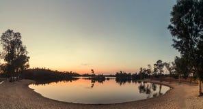 Praia fluvial de Mina Sao Domingos perto de Mertola, Portugal fotos de stock royalty free