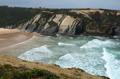 Praia gör Carvalhal, en avskild strand in i den naturliga Costa Vicentina parkerar, Portugal Royaltyfri Bild