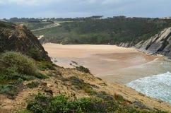 Praia gör Carvalhal, en avskild strand in i den naturliga Costa Vicentina parkerar, Portugal Royaltyfria Bilder