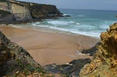 Praia gör Carvalhal, en avskild strand in i den naturliga Costa Vicentina parkerar, Portugal Royaltyfria Foton