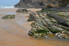Praia gör Carvalhal, en avskild strand in i den naturliga Costa Vicentina parkerar, Portugal Arkivbilder