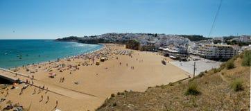 Praia gör Pescadores i Albufeira, Algarve portugal Arkivfoto