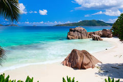 Praia idílico em Seychelles foto de stock