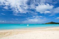 Praia idílico nas Caraíbas Foto de Stock