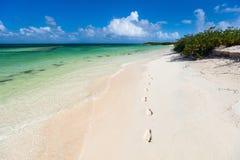 Praia idílico nas Caraíbas Imagens de Stock