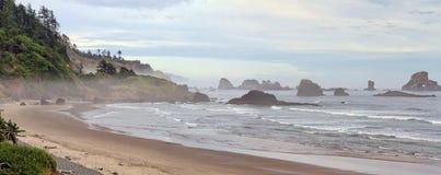 Praia indiana no panorama de Oregon do parque de estado de Ecola Foto de Stock