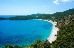 Praia Jaz Adriatic Sea Vista superior da montanha Dia ensolarado imagem de stock