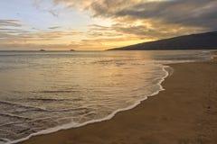 Praia Kihei Maui Havaí do açúcar no por do sol fotografia de stock royalty free