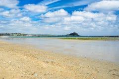 Praia longa Cornualha Inglaterra Reino Unido da rocha Fotos de Stock Royalty Free