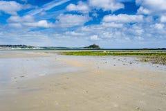 Praia longa Cornualha Inglaterra Reino Unido da rocha Imagens de Stock