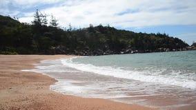 Praia magnética da ilha, baía radical vídeos de arquivo