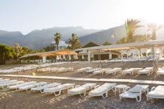 Praia mediterrânea abandonada Foto de Stock