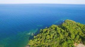 Praia mediterrânea de Antalya da vista aérea filme