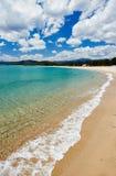 Praia mediterrânea do mar de Sardinia Imagem de Stock