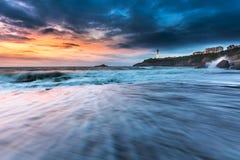 Praia Miramar de Biarritz da onda fotografia de stock