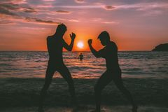 Praia Muay-tailandesa imagens de stock