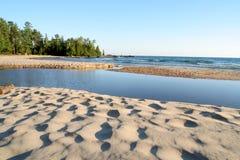 Praia na angra de Katherine imagem de stock