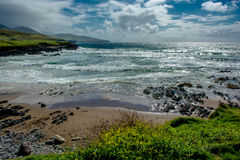 Praia na costa da Irlanda Imagem de Stock Royalty Free