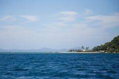 Praia na distância Imagens de Stock