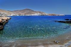 Praia na ilha de Folegandros em Greece Imagem de Stock