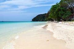 Praia na ilha de Maiton, Tailândia Foto de Stock Royalty Free
