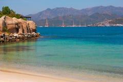 Praia na ilha de Vinpearl Fotos de Stock Royalty Free